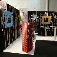 Meubles miroirs,Designer à Lille présentait ses créations design ses miroirs design,commode design couleur rouge,chaise design by de santos,créations francaises