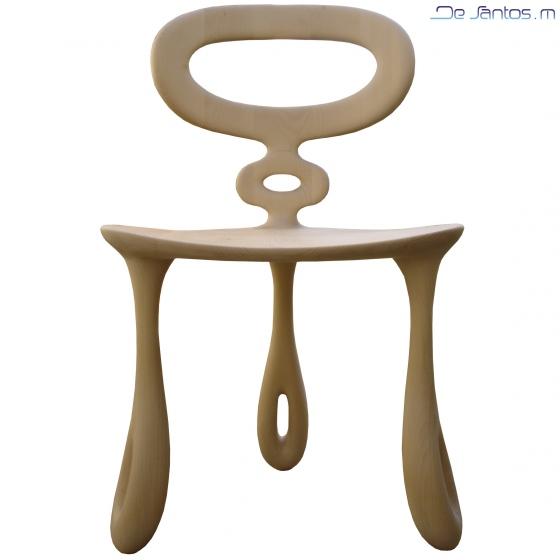 la Chaise -Tribullule - reposent sur la symbolique du trois : tripode, triangle, trois vides.
