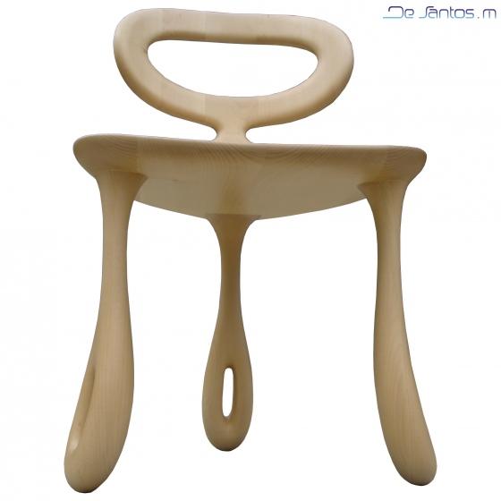 La chaise « Tribullule » est aérienne, ample et accueillante.