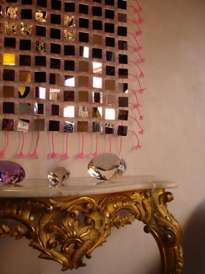 Les tresse de cette cascade de miroirs sont disponiblent dans différents coloris,