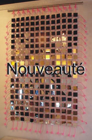 Cette cascade de miroir s'intégre avec facilité dans tous les styles de décorationpour.