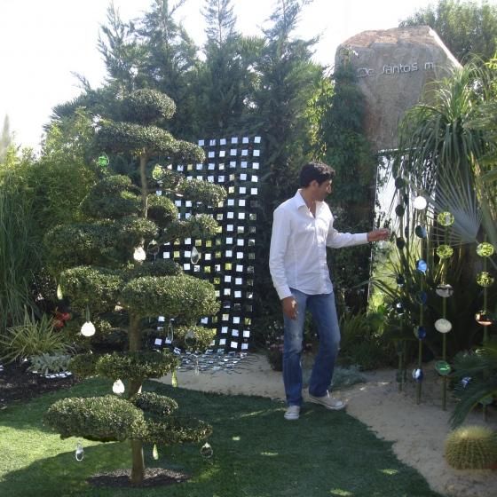 Mickaël de Santos invente les miroirs au design modulable